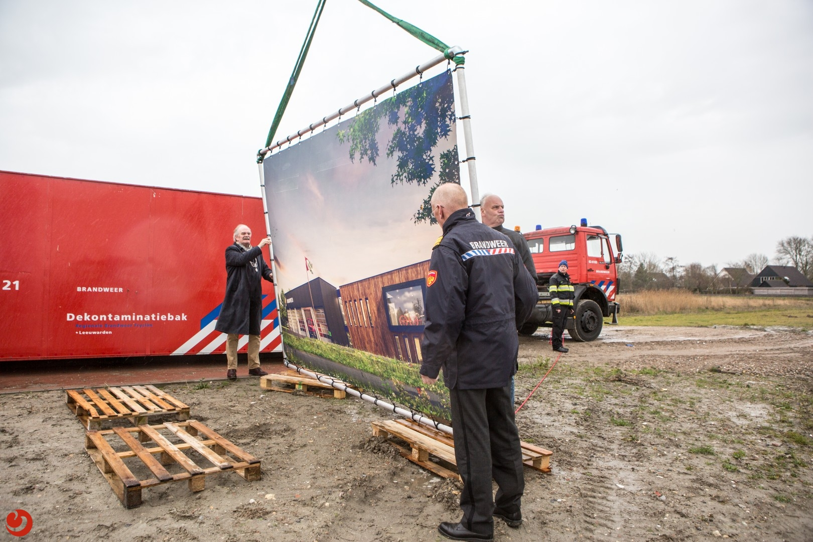 Officiële overdracht grond voor nieuwbouw kazerne