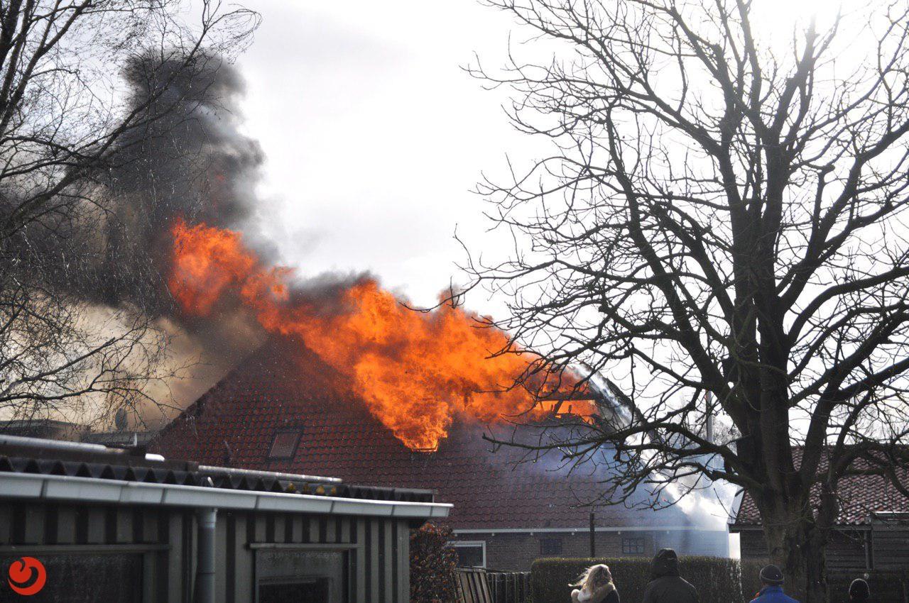 Grote brand in woonboerderij
