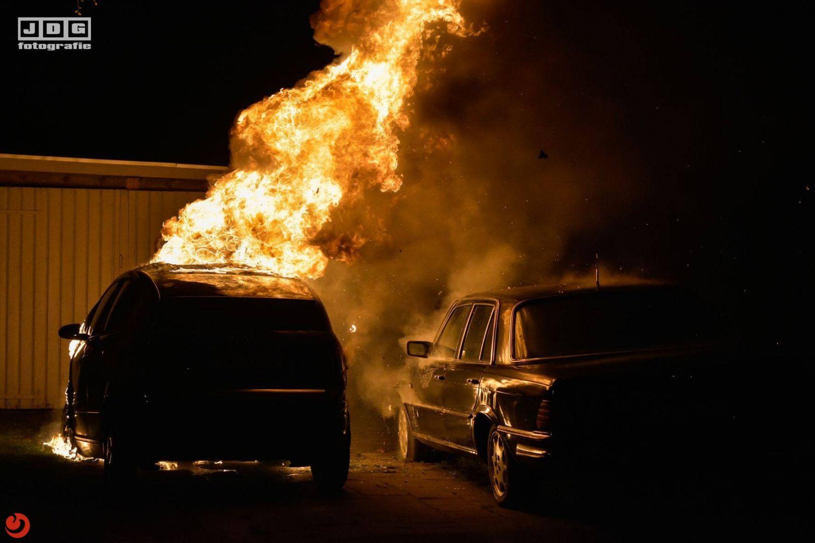 Auto verwoest door brand