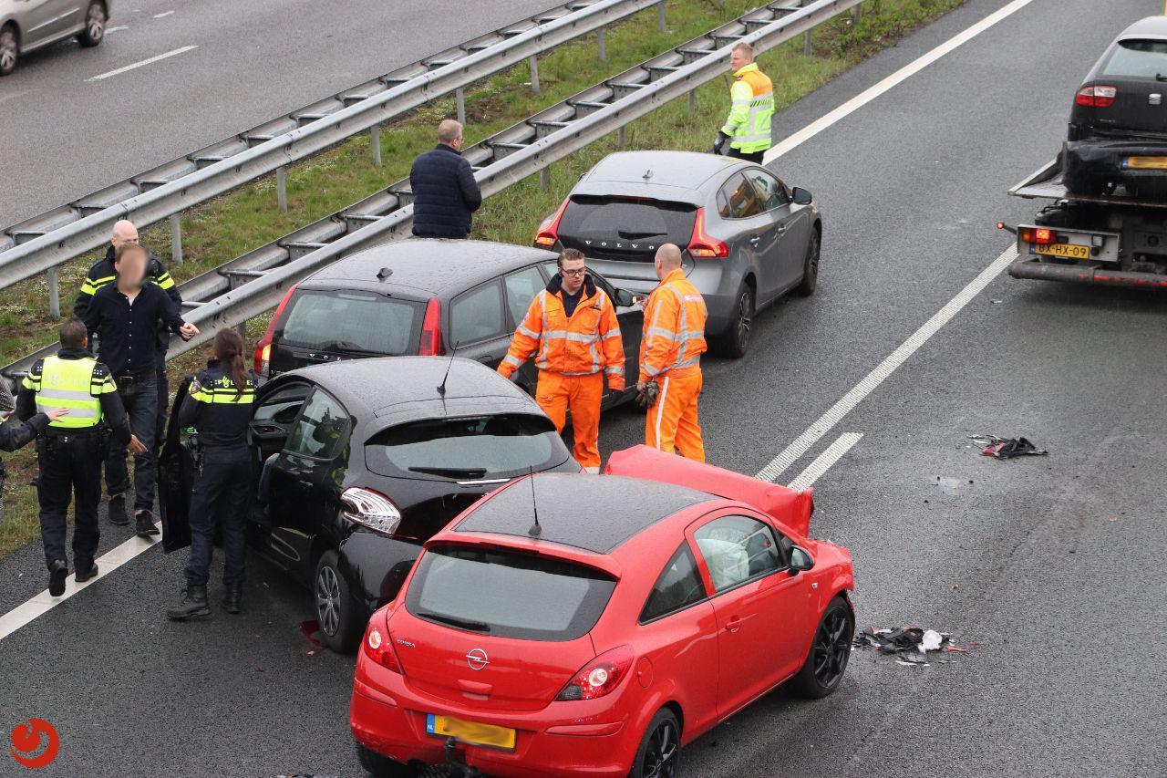 Lange file op A7 na ongeval met zes auto's