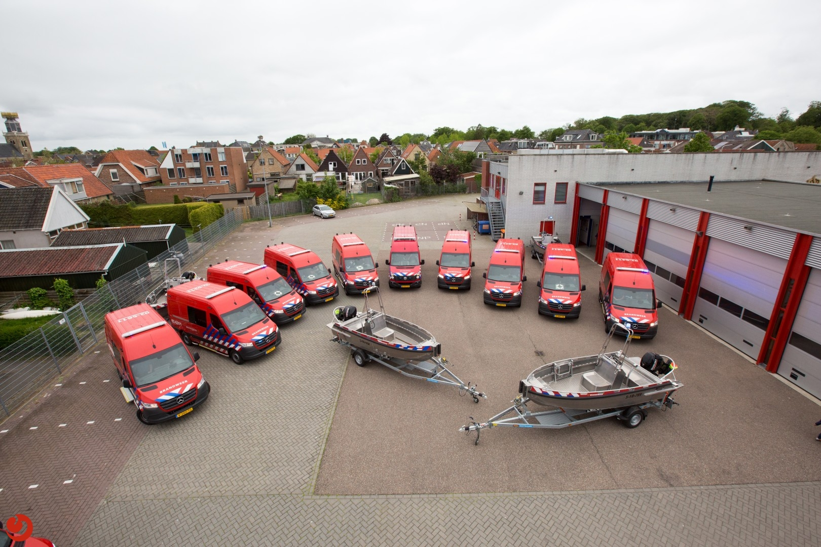 Overdracht nieuwe OVRT voertuigen voor Brandweer Fryslan