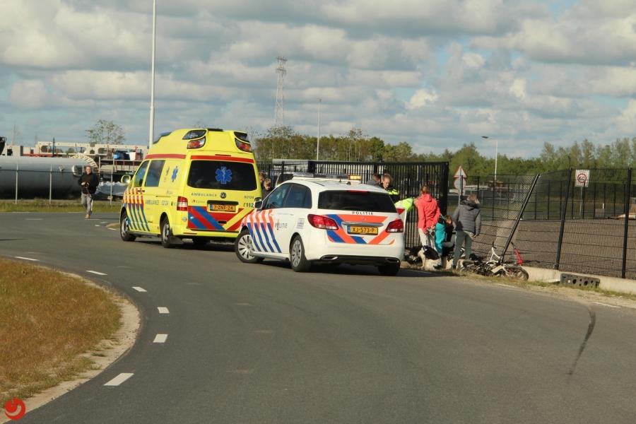Motorrijder gewond na botsing met hekwerk