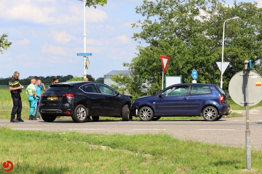 Auto's in botsing: geen gewonden