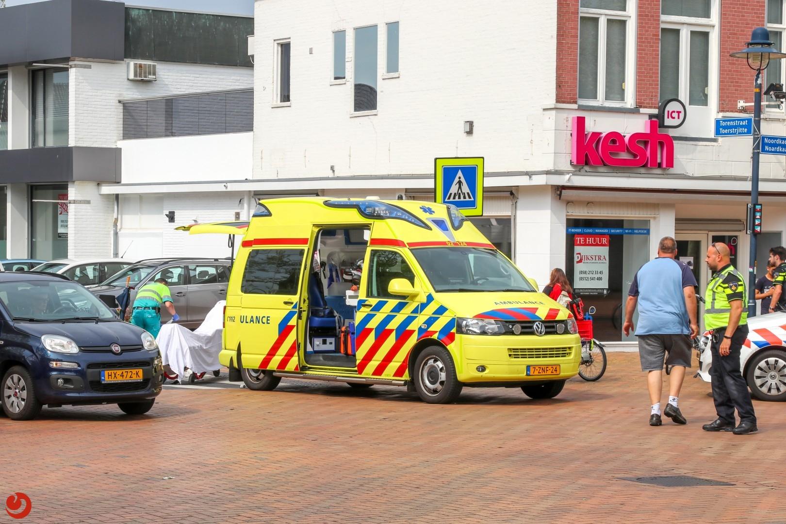 Vrouw in scootmobiel gewond na uitwijkactie