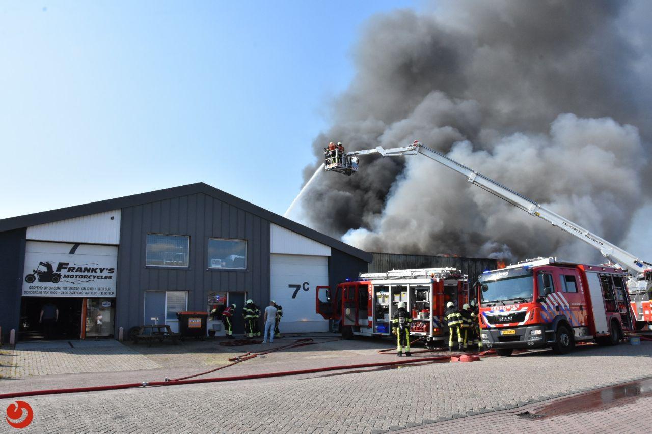 Estafette kringloopwinkel verwoest door zeer grote brand