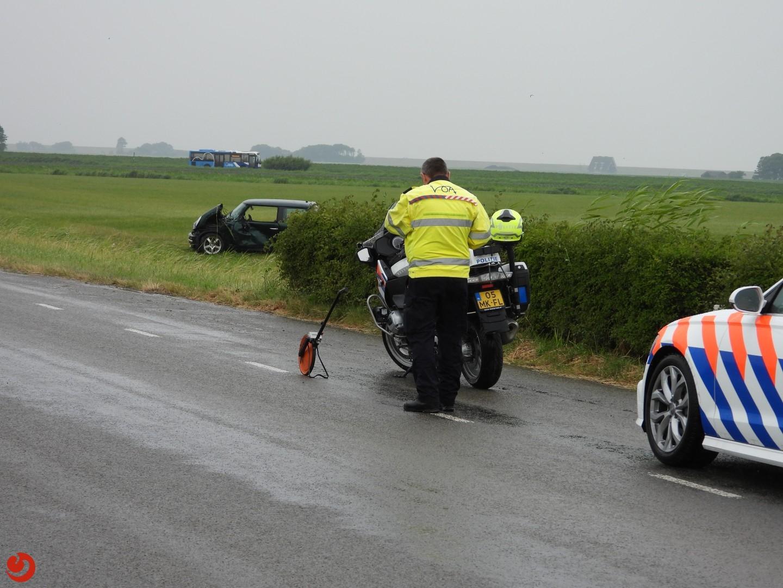 Vrouw zwaargewond bij eenzijdig ongeval – N358