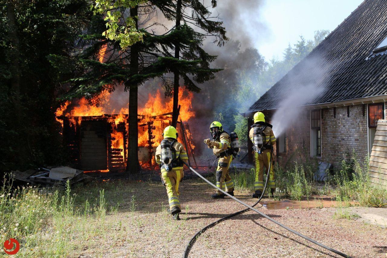 Grote brand verwoest voormalig saunacomplex