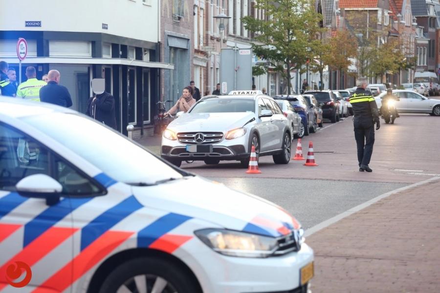 Fietser gewond na aanrijding met taxi