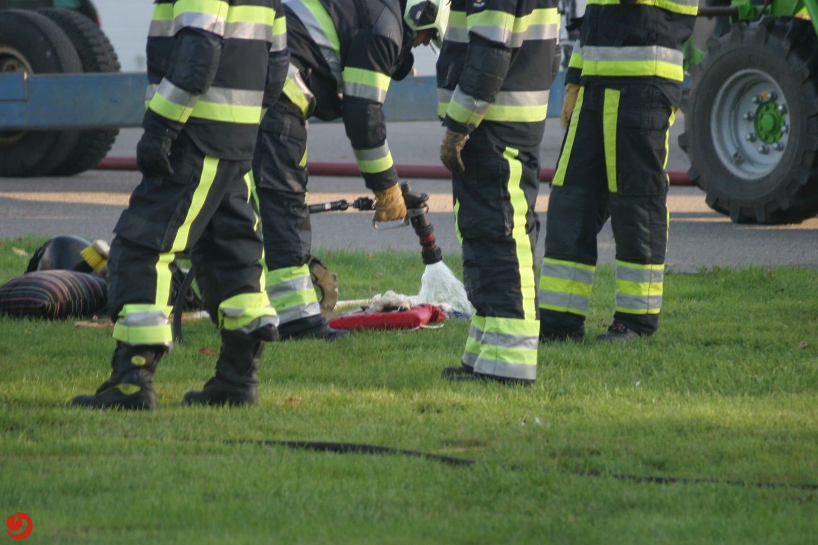 Smeulende matrassen in boot; brandweer voorkomt erger