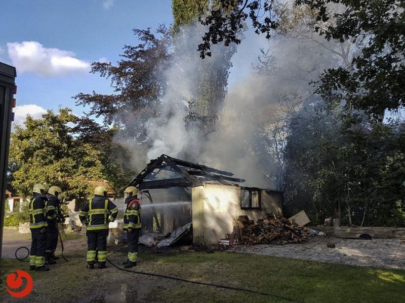 Garage volledig uitgebrand