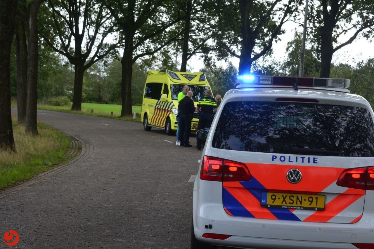 Automobilist gewond na botsing met boom