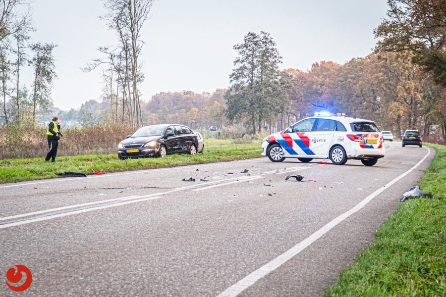 Weg vol auto-onderdelen na ongeval