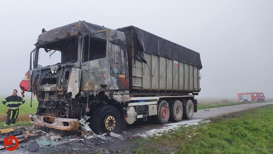Cabine vrachtwagen uitgebrand