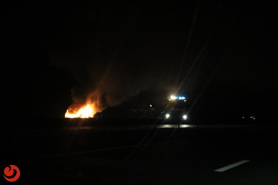Personenauto in brand op Wâldwei