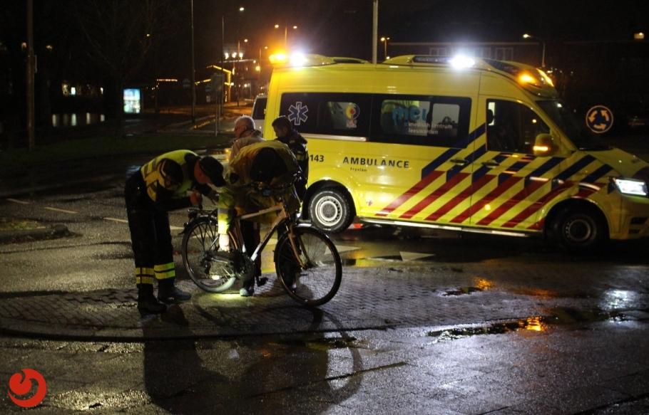 Fietser aangereden op fietsoversteek van rotonde
