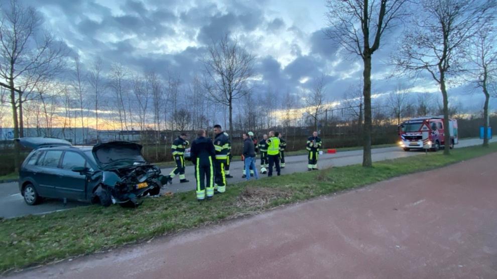 Twee gewonden bij forse aanrijding