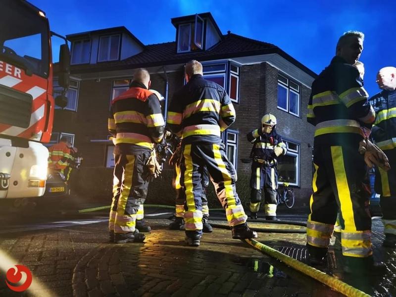 Brandweer in actie voor woningbrand