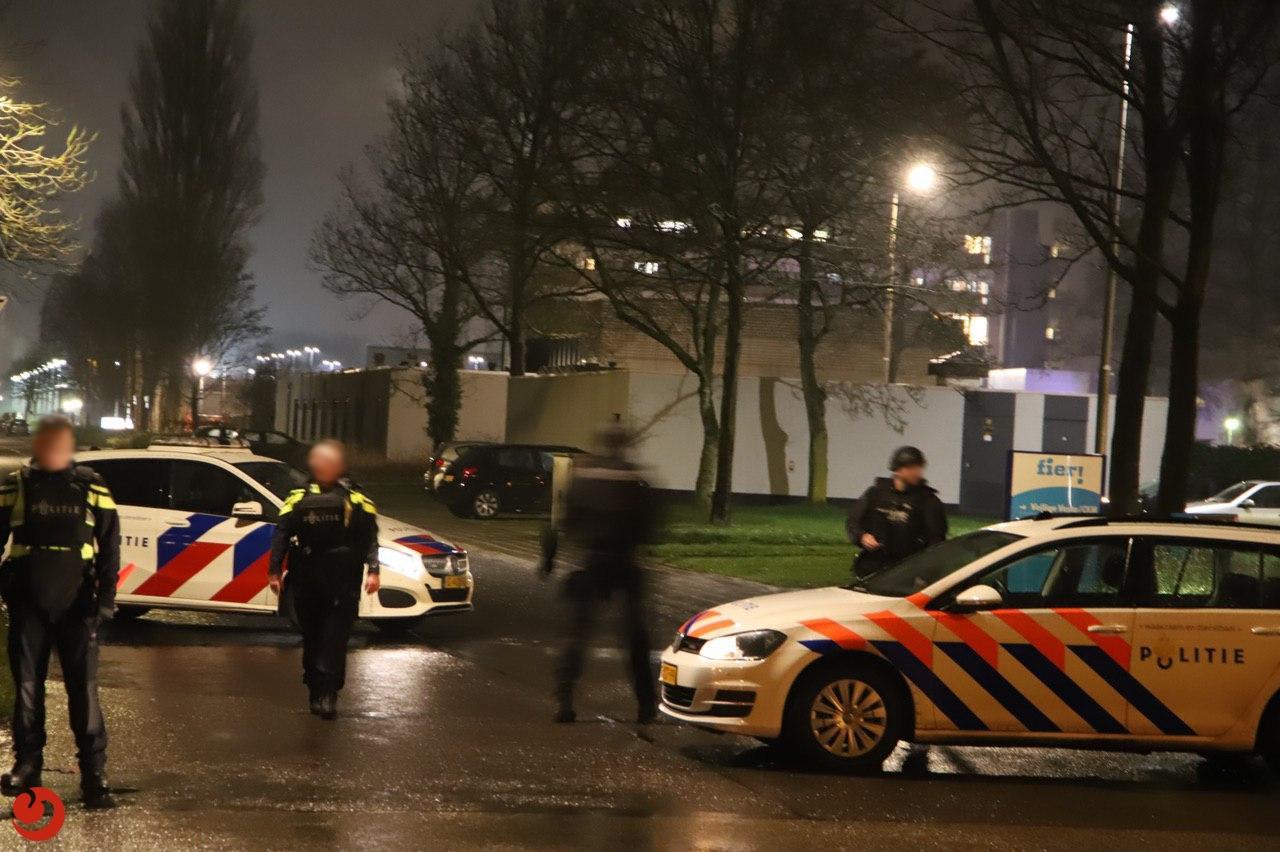 Grote politie inzet vanwege overplaatsing vluchtgevaarlijke gevangene