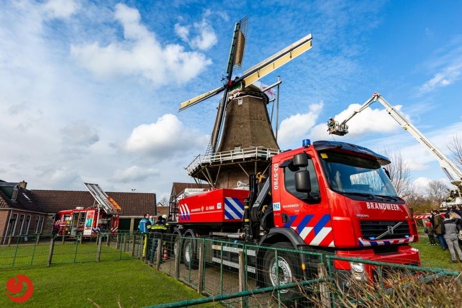Brandweerwedstrijden: Brandende vrachtwagen bedreigt molen