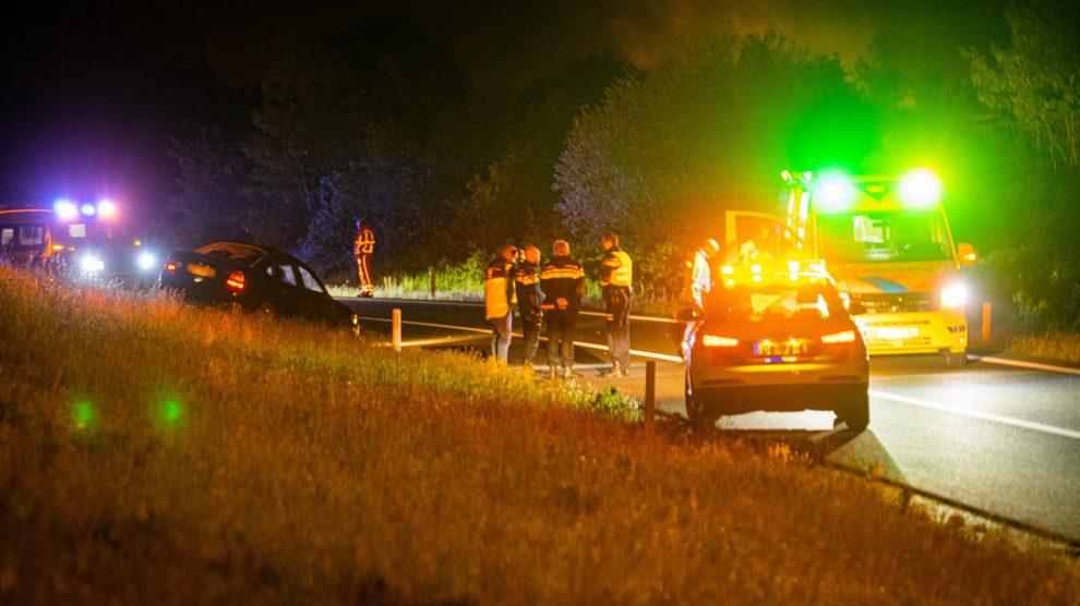 Automobilist zwaargewond na ongeval op A32