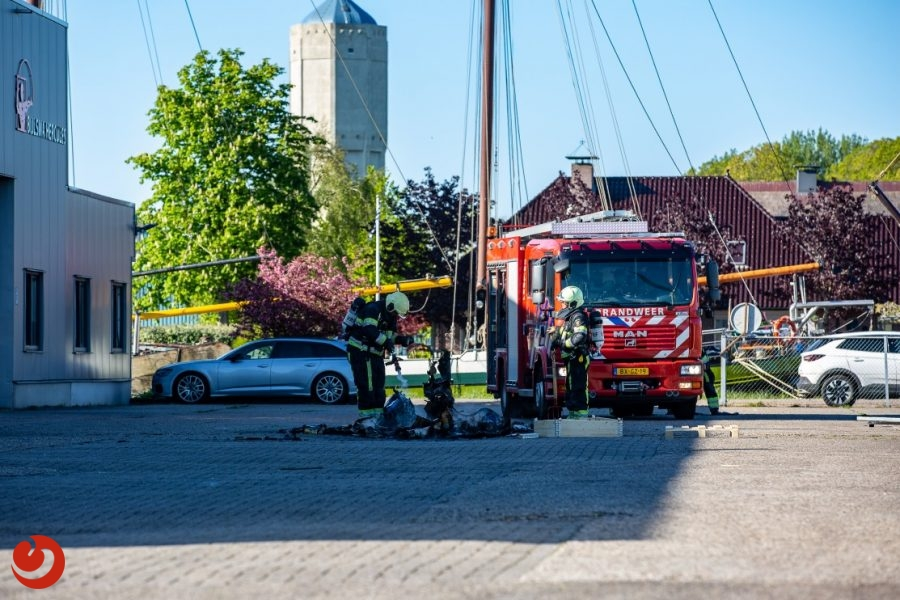 Containerbrand in bedrijfspand