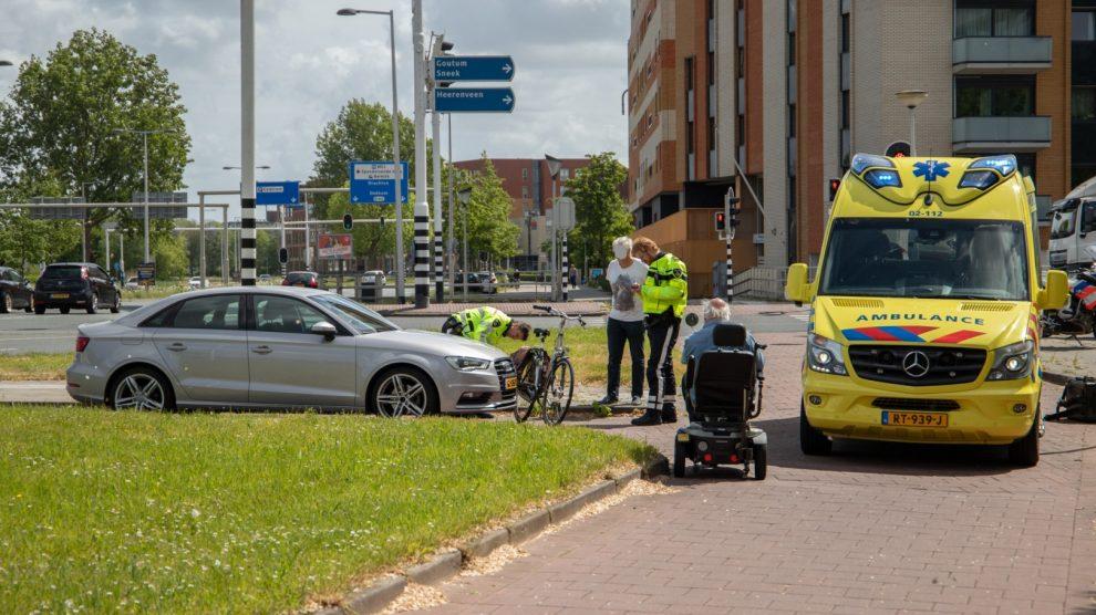 Fietser gewond door aanrijding met auto