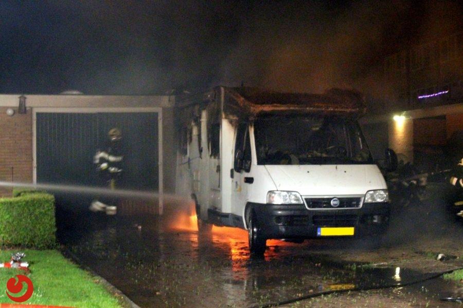 Camper volledig verwoest door brand