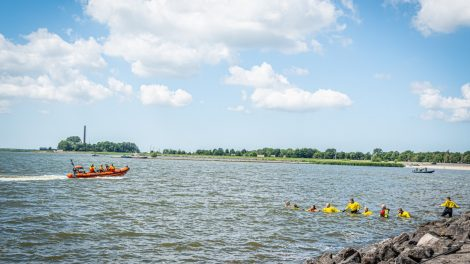 Zwemmer overleden bij Lemmer; grote zoekactie op touw gezet