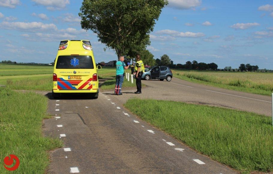 Automobiliste gewond na botsing met bomen
