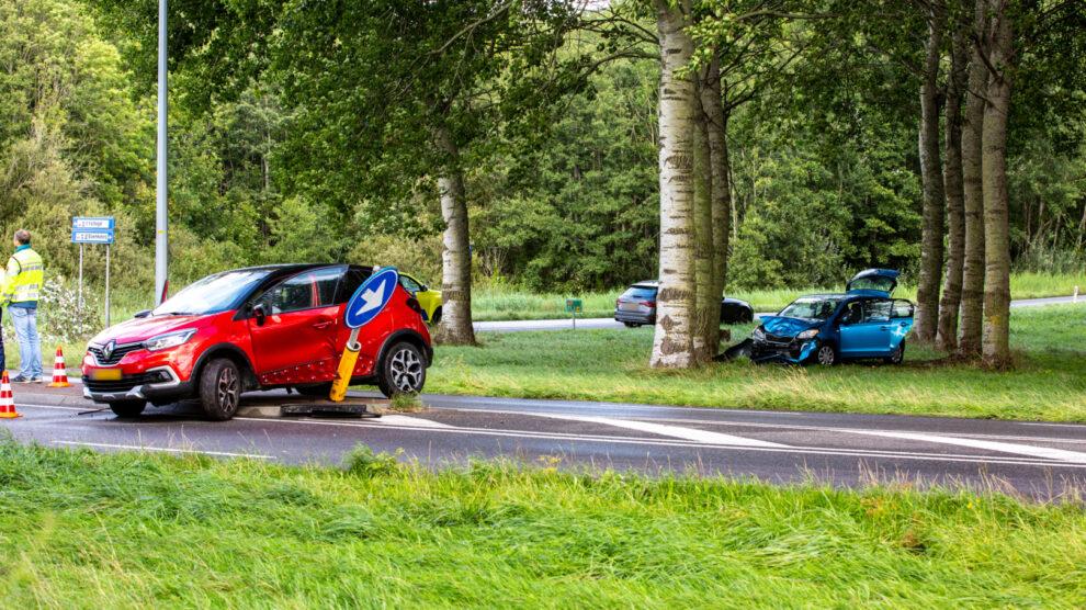 Gewonde na aanrijding met twee auto's