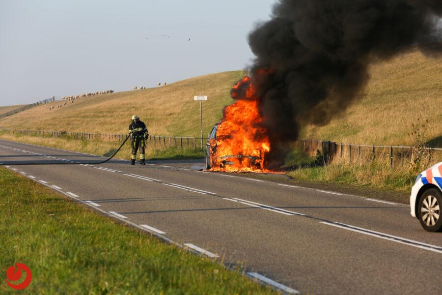 Auto gaat verloren bij brand