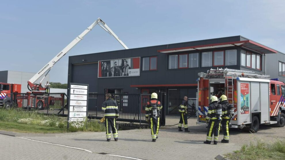 Brand op dak door airco-unit