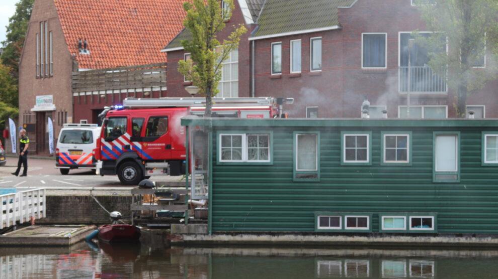 Brand op woonboot