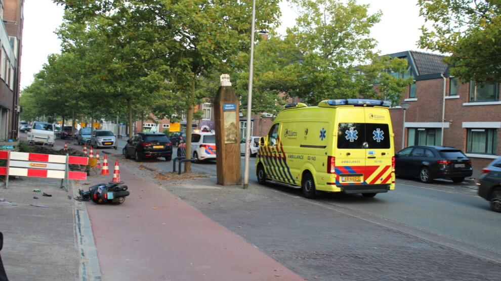 Bestuurder snorscooter gewond na botsing met auto