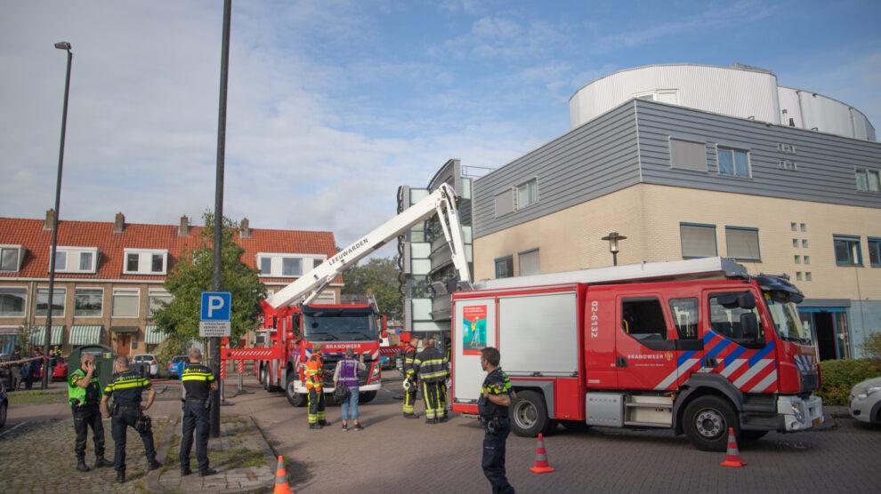 Veel rook bij brand in apotheek- en huisartsencomplex