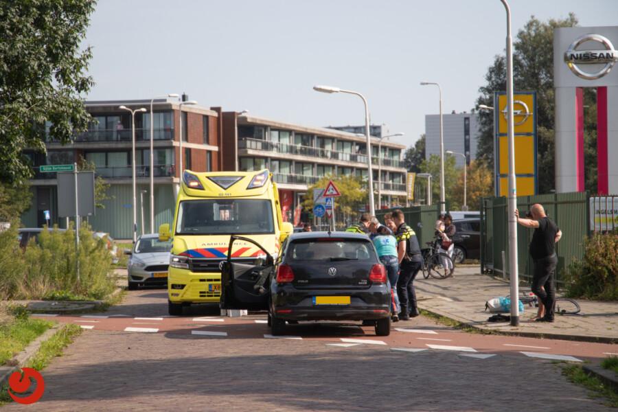 Wielrenner gewond door botsing met auto