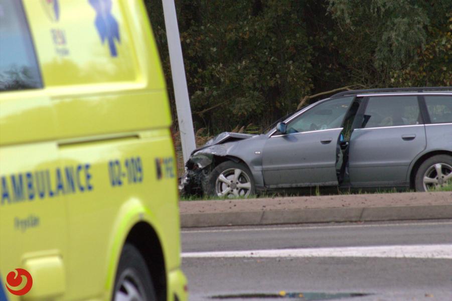 Veel schade bij ongeval op Lauwersmeerweg