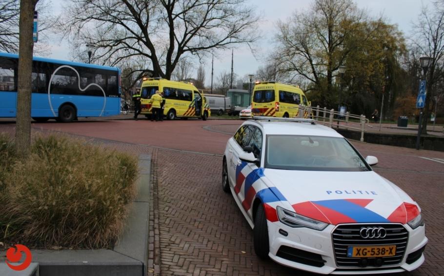 Twee fietsers gewond na botsing met bus