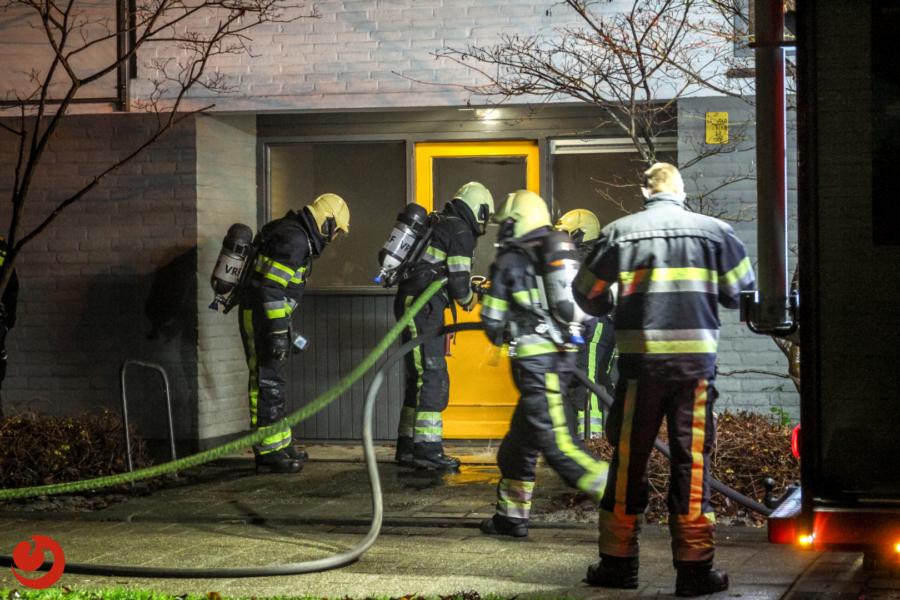 Zes woningen ontruimd door brand in portiek