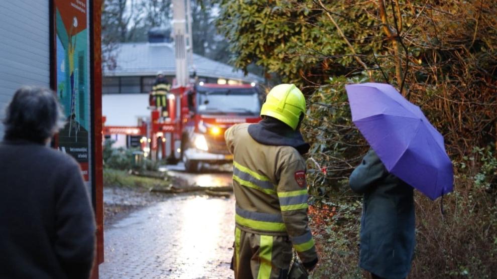 Brandweer druk met stormschade
