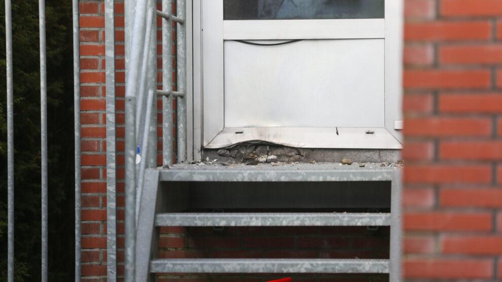 Politiebureau beschadigd door vuurwerk