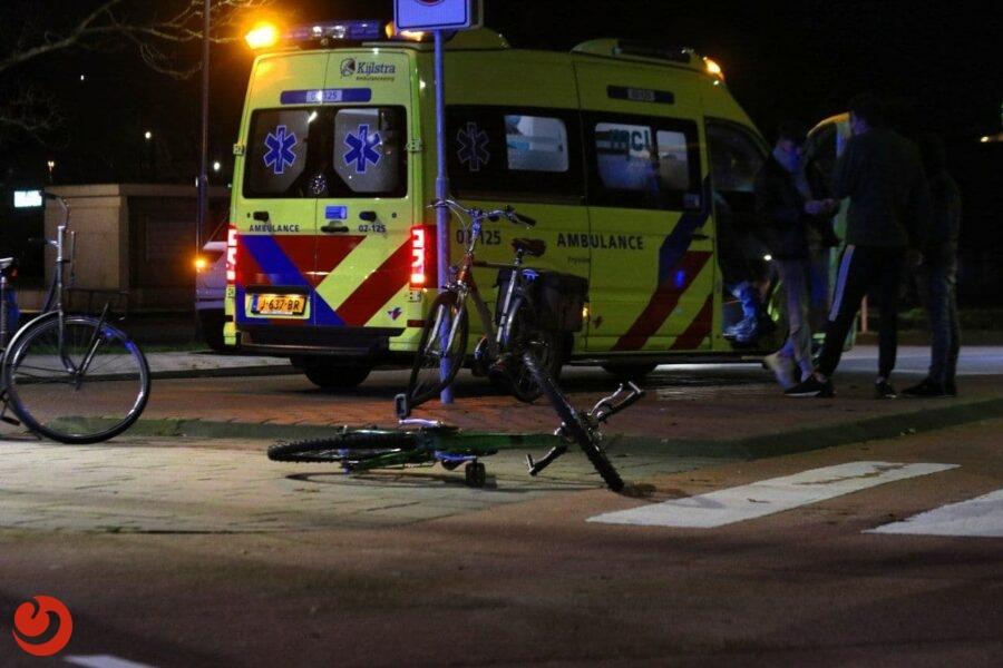 Fietser gewond door botsing met auto