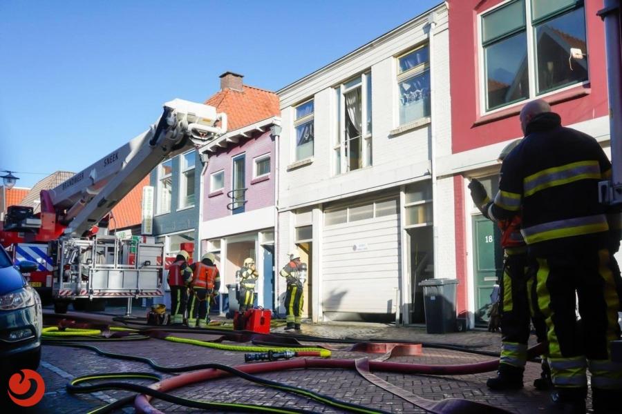 Twee bewoners gewond na brand in woning