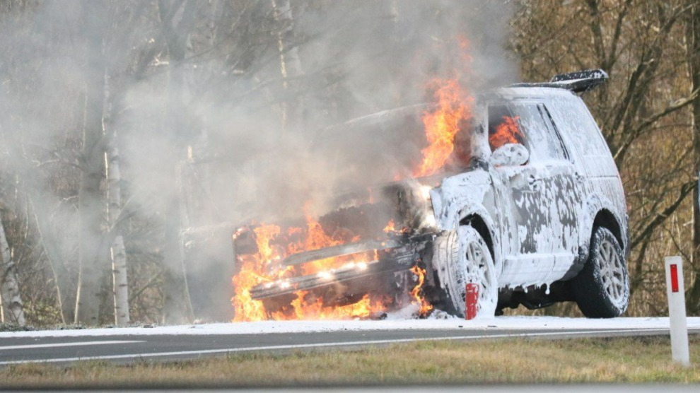Auto volledig uitgebrand op de afrit N381