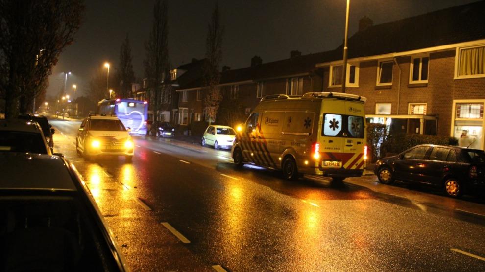 Persoon gestoken met mes; politie zoekt getuigen