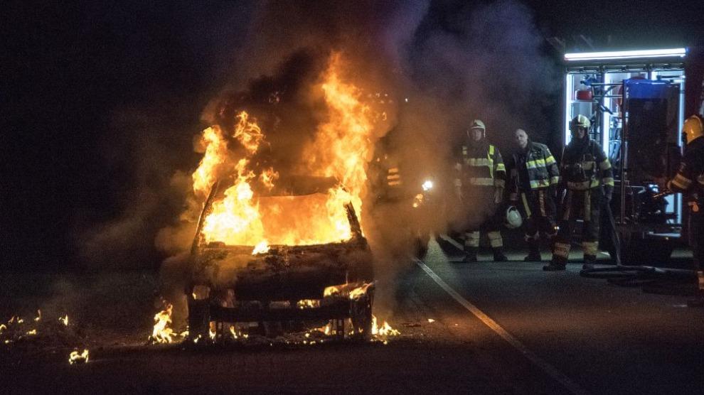 Auto uitgebrand op N358