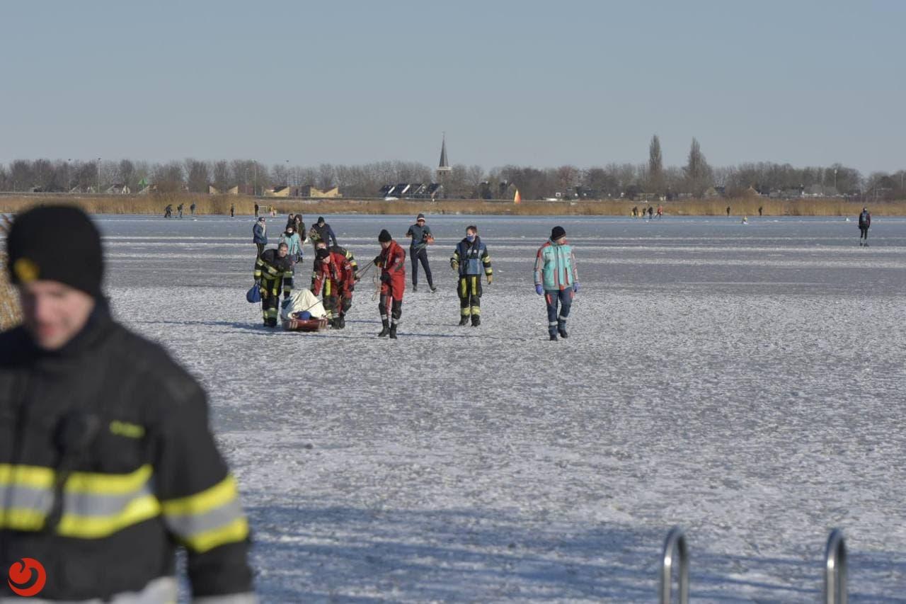 Hulpdiensten druk met gewonde schaatsers
