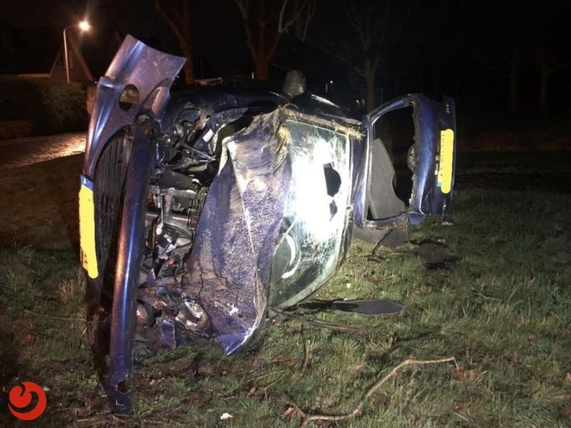 Bestuurder aangehouden na verlaten plaats ongeval en rijden onder invloed