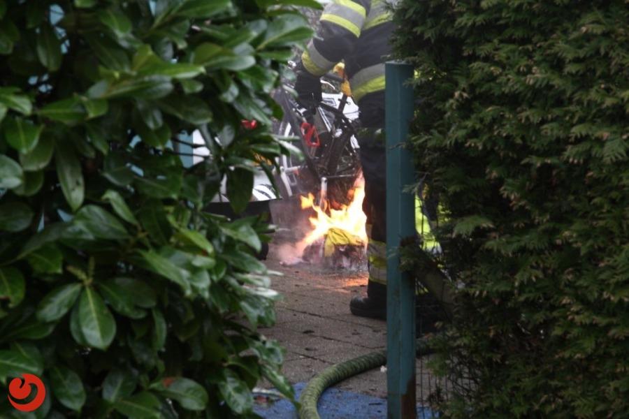 Frituurpan in brand; brandweer voorkomt erger
