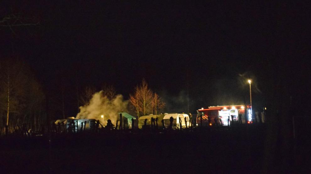 Camper uitgebrand op minicamping